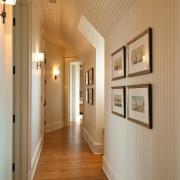 Длинный коридор в квартире