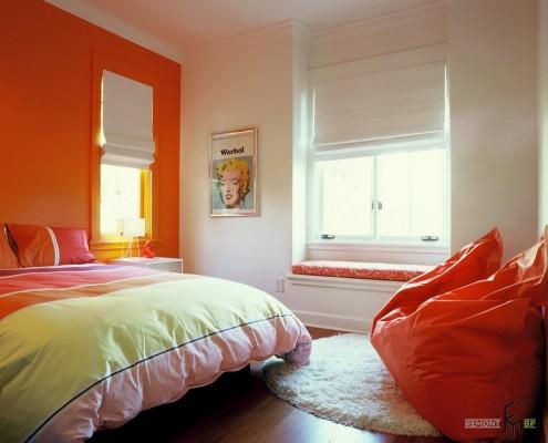 Оранжевое кресло-подушка