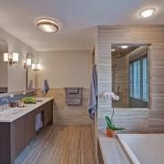 Множество светильников для ванной