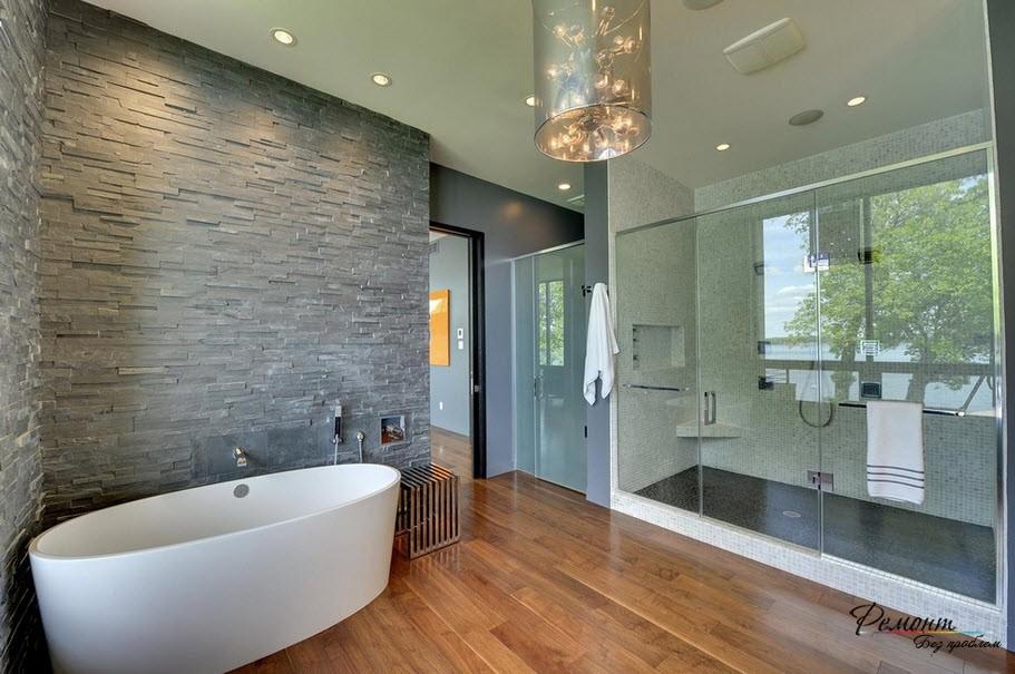 Элегантный интерьер ванной комнаты со