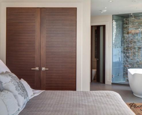 Встроенный шкаф в в спальне
