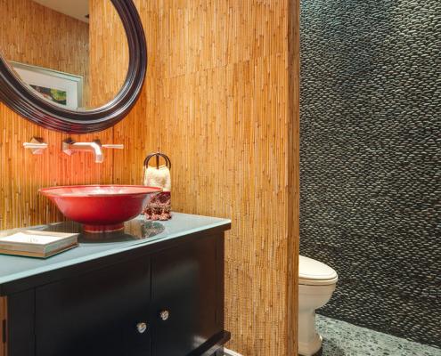 Бамбуковые обои в ванной