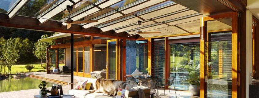 Стеклянный потолок на веранде в японском стиле