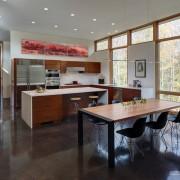 Кухня, объединенная с коридором
