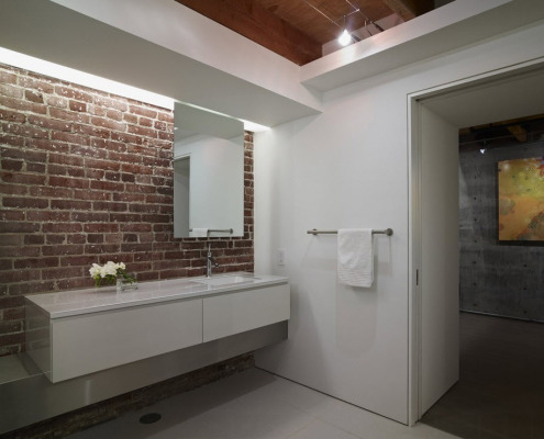 Декор стены плиткой
