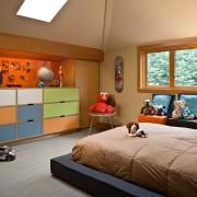 Детская с цветной мебелью
