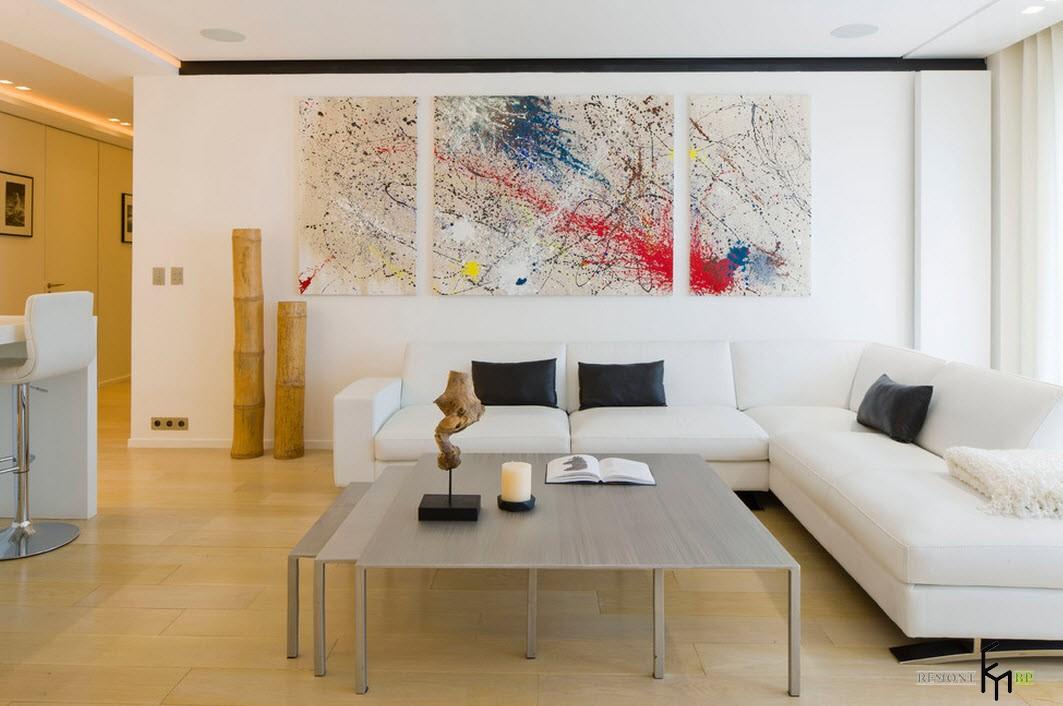 Триптих-абстракция на стене в зале