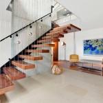 Дизайн лестницы в стиле модерн для загородного дома