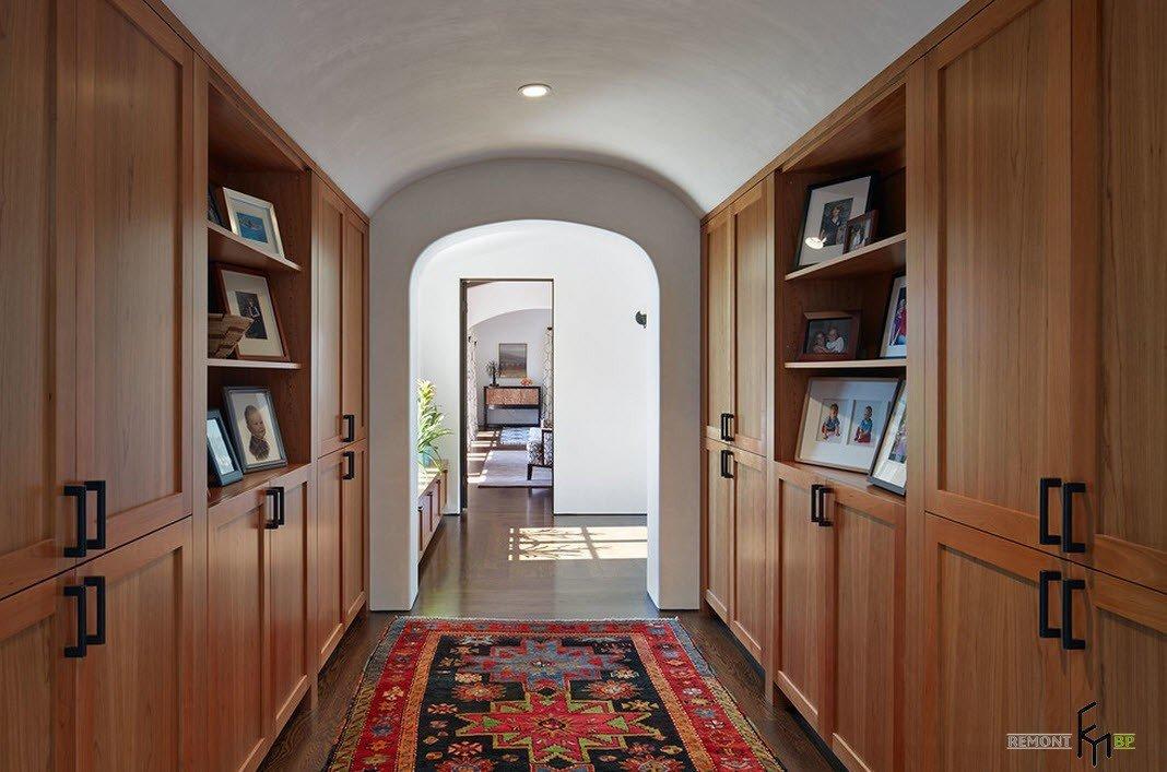 Шкафы в коридоре