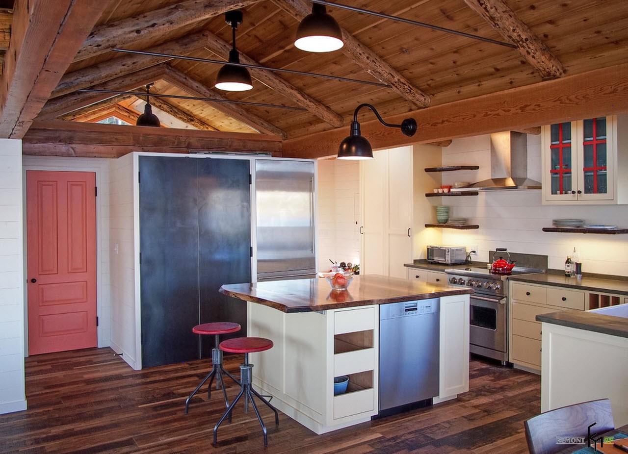С деревянным потолком