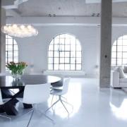 Огромная гостиная в белом цвете