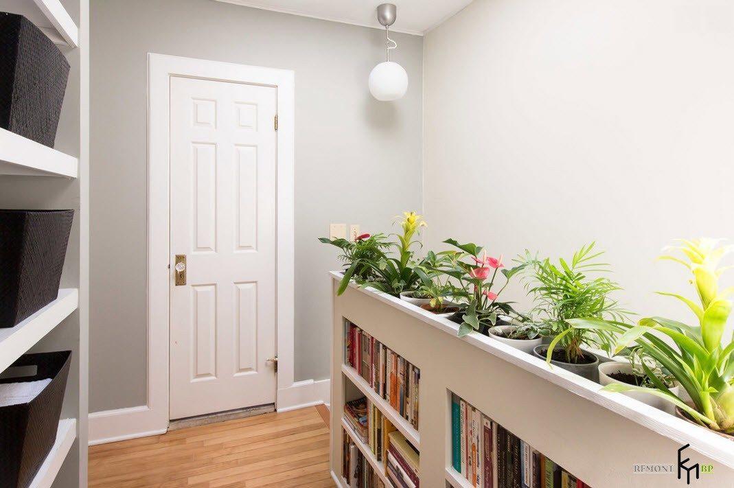 Книжно-цветочный стеллаж