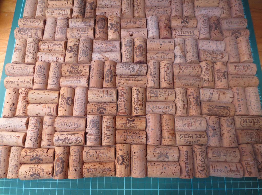 Четвертый этап изготовления коврика из пробки