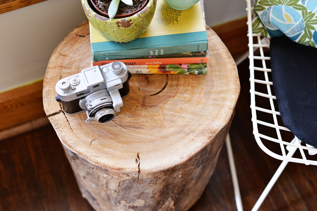 Готовый журнальный столик из пенька: первое фото