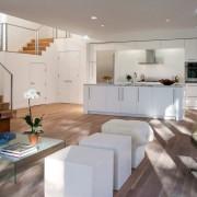 Оформление первого этажа под кухню-студию