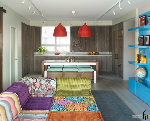 Яркие цвета в интерьере кухни-студии