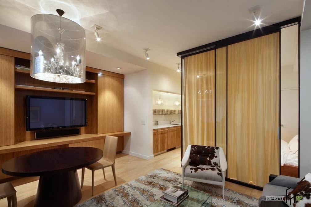 Раздвижная система в гостиной