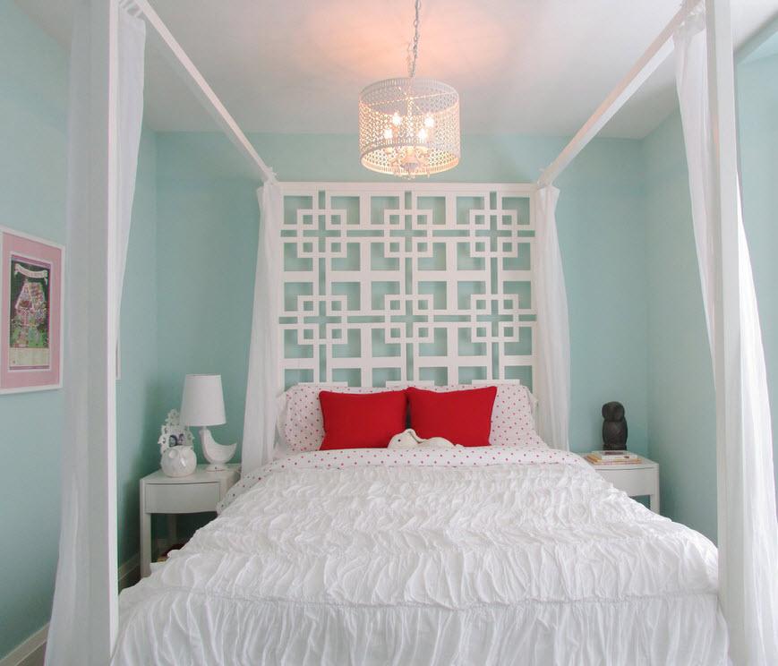 Кровать под балдахином