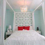 Бледно-голубые тона в спальне девочки