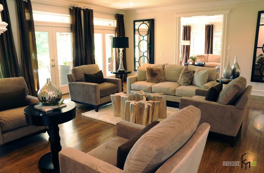 Бежевая мебель и черные шторы