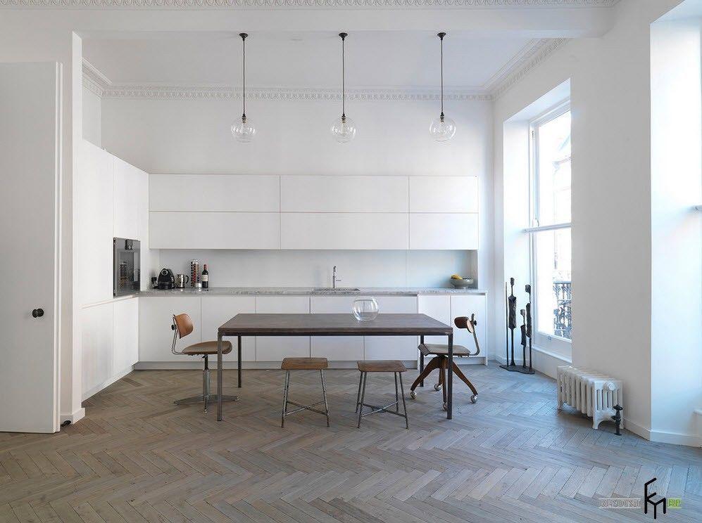 Просторная кухня-столовая