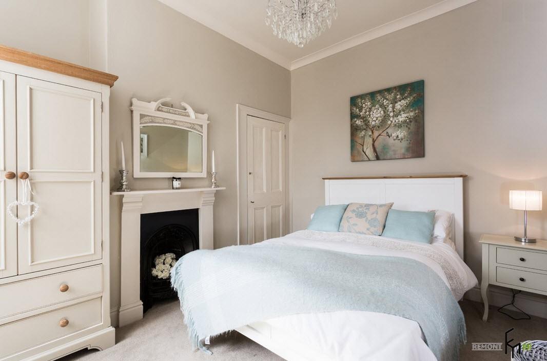 Интерьер спальной комнаты в историческом исполнении