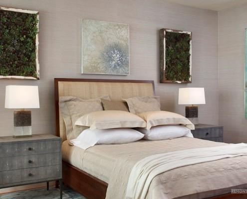 Спальня с прикроватными тумбами
