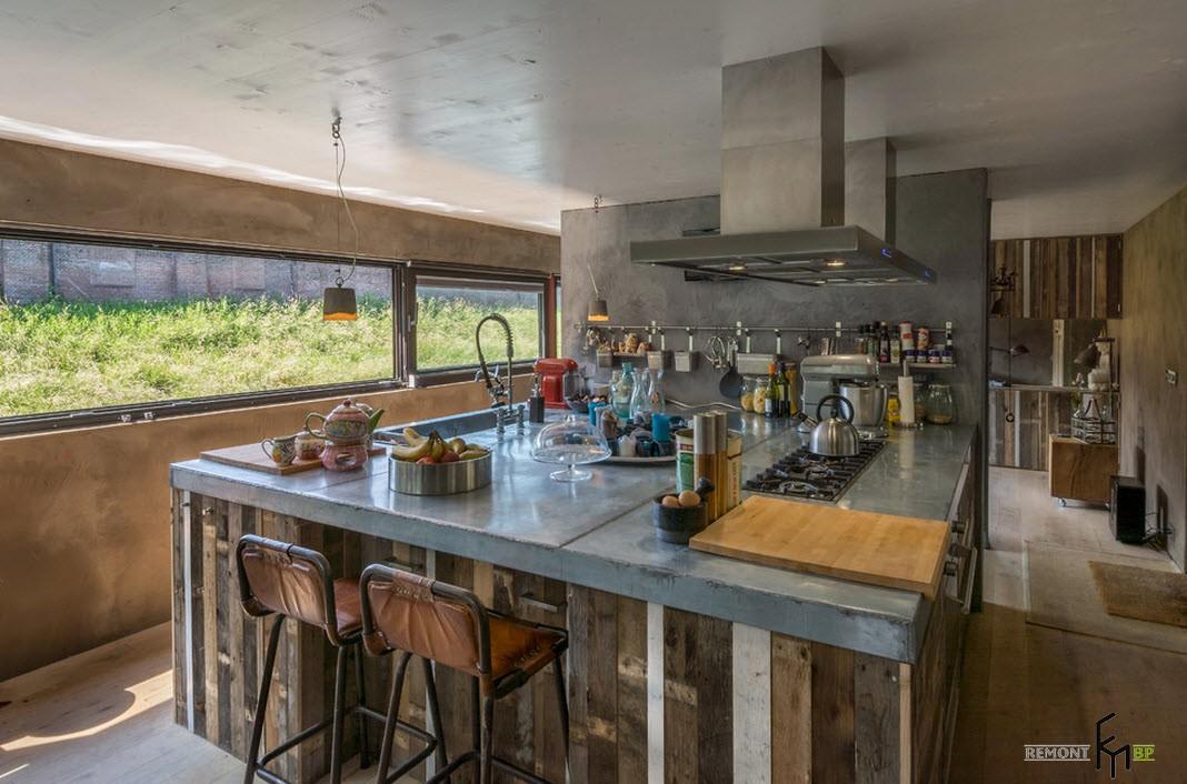 Кухня в плавучем доме