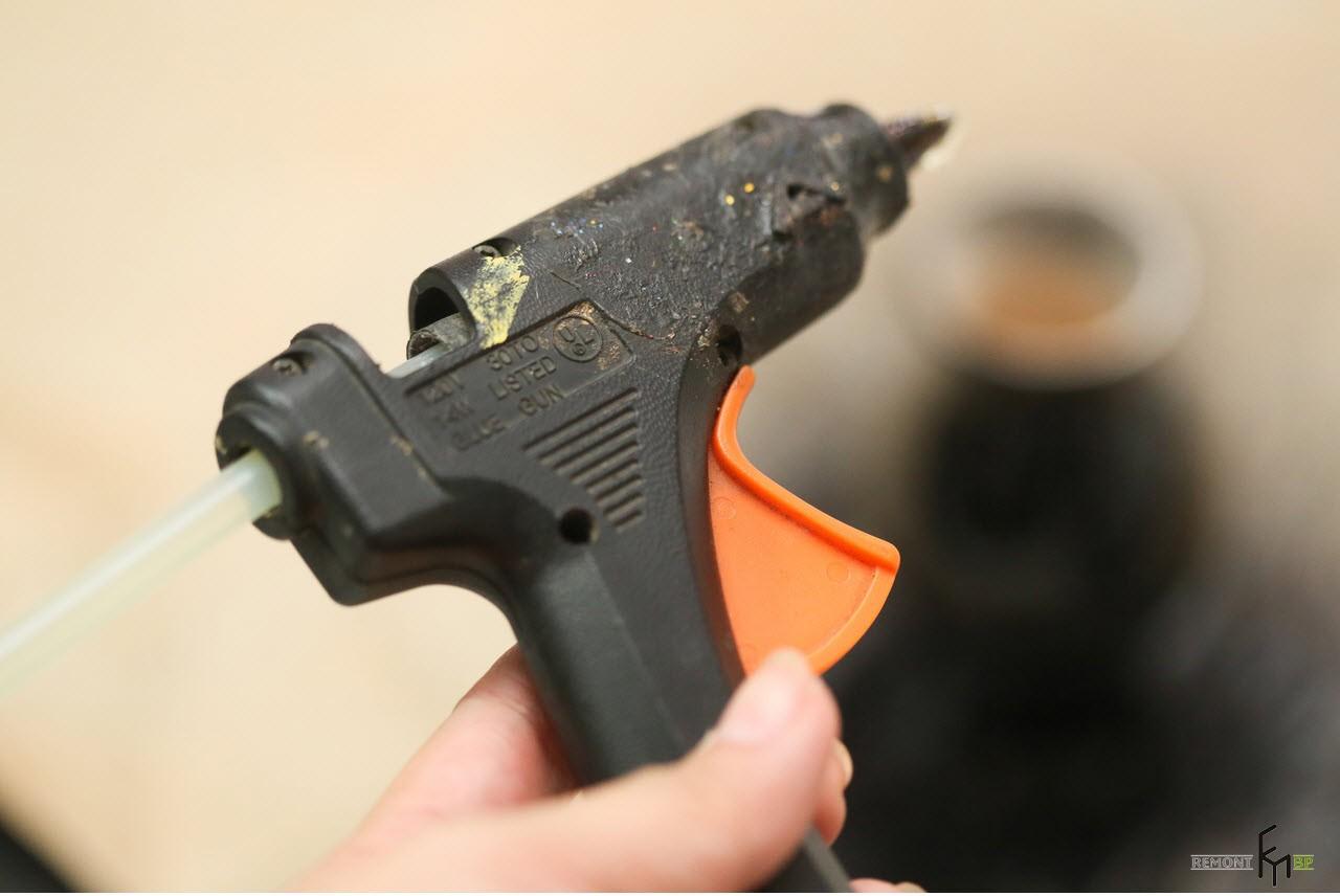 Термоклеящий пистолет