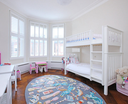 Оригинальный коврик в комнате для девочек