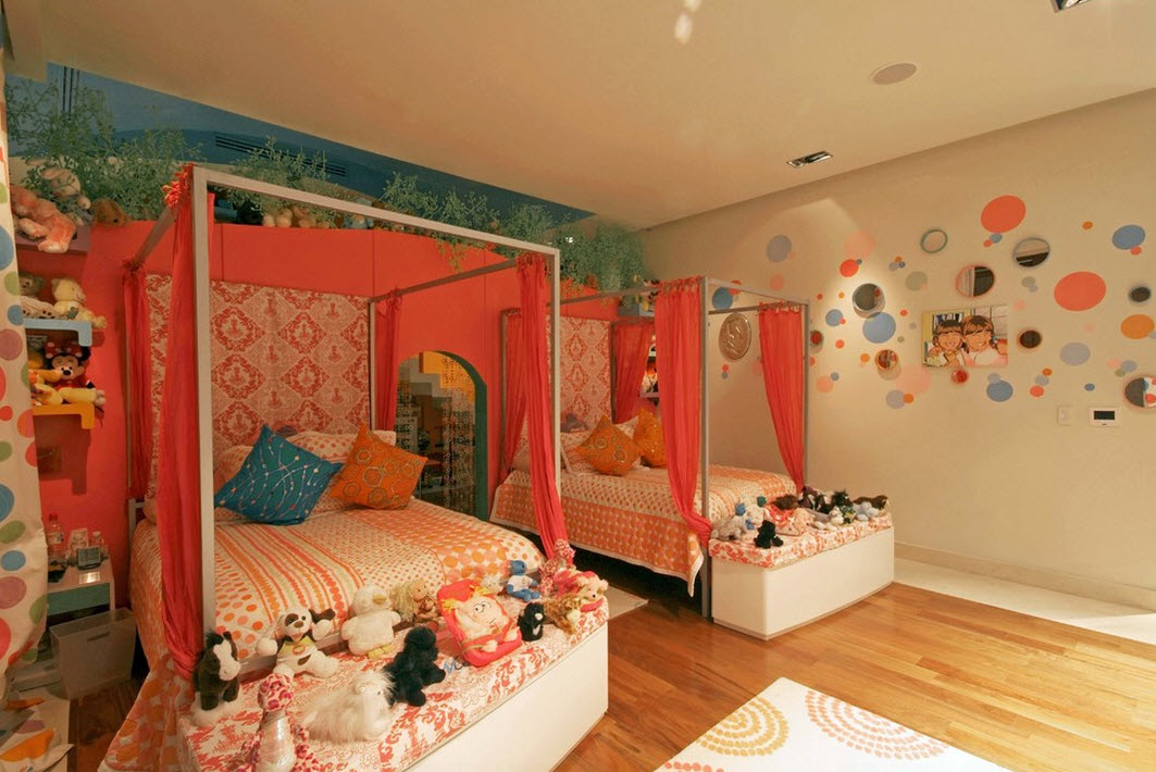 Балдахин в спальне девочки