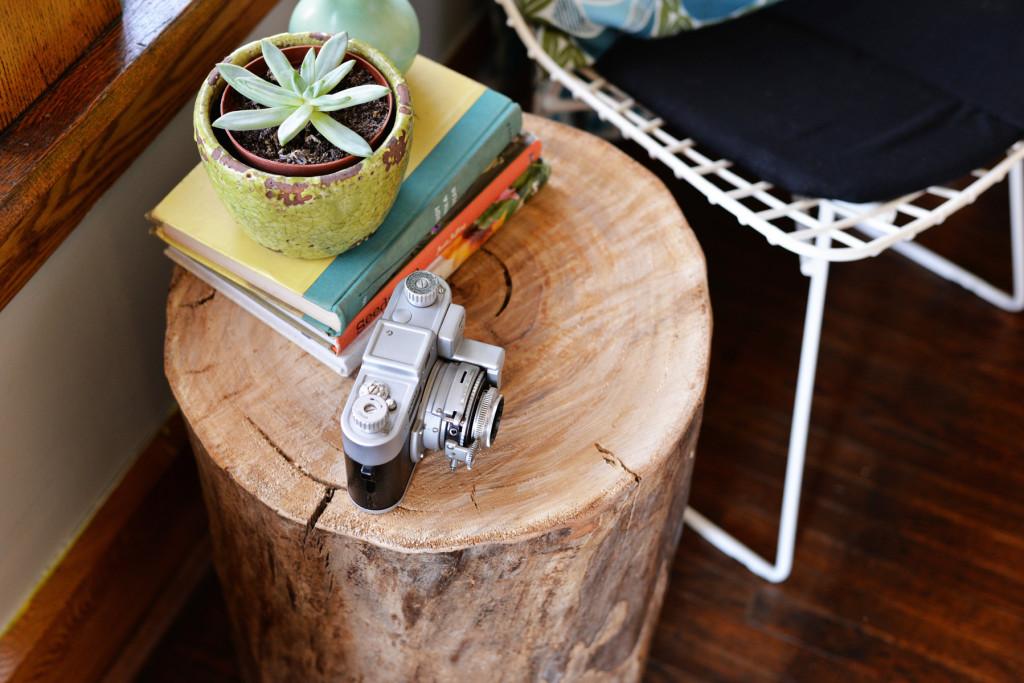 Готовый журнальный столик из пенька: третье фото