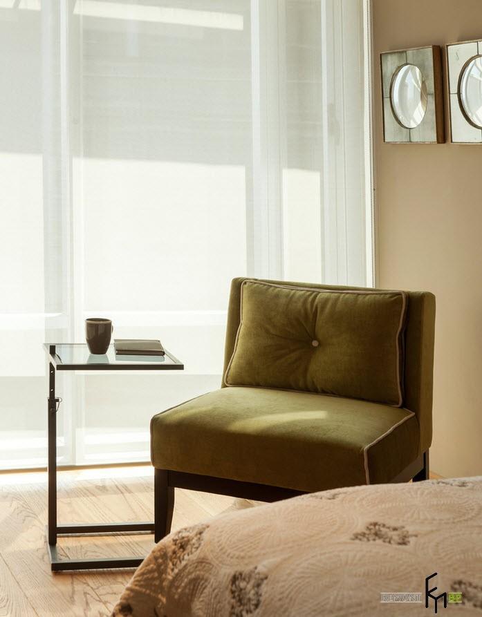 Уютное креслице со столиком