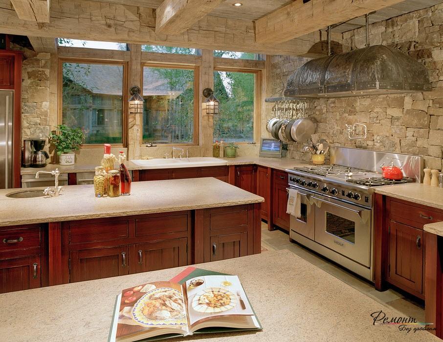 Плоская каменная облицовка кухни