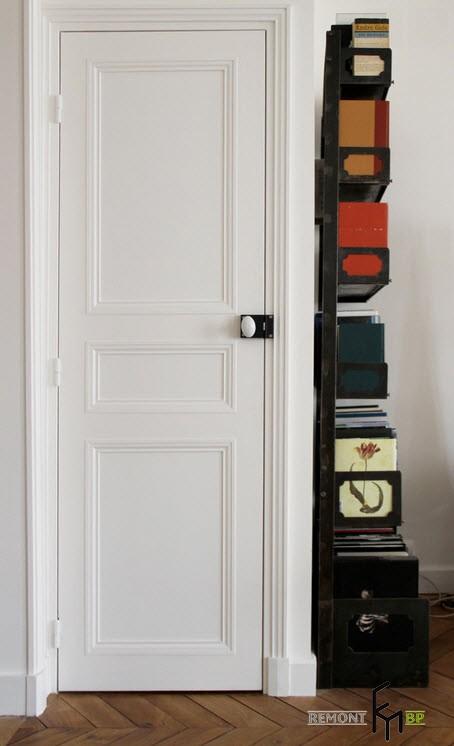 Двухуровневая квартира в старом парижском доме: французского интерьер на фото