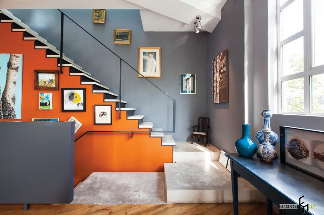 Оранжевая лестница