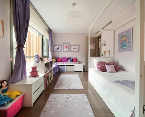 Длинная узкая комната