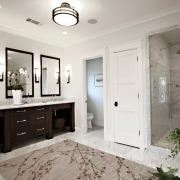 Спокойные оттенки на полу в ванной
