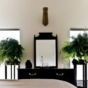 Комоды с зеркалом: фото в интерьере, Альтернатива туалетному столику