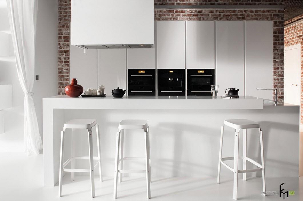 Белоснежная кухонная мебель