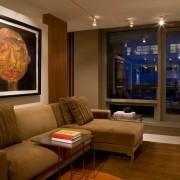 Угловой диван в кухне-гостиной