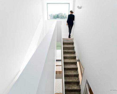 Гармоничное сочетание строительных и отделочных материалов в интерьере