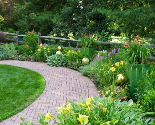 Садовая дорожка из кирпича-клинкера