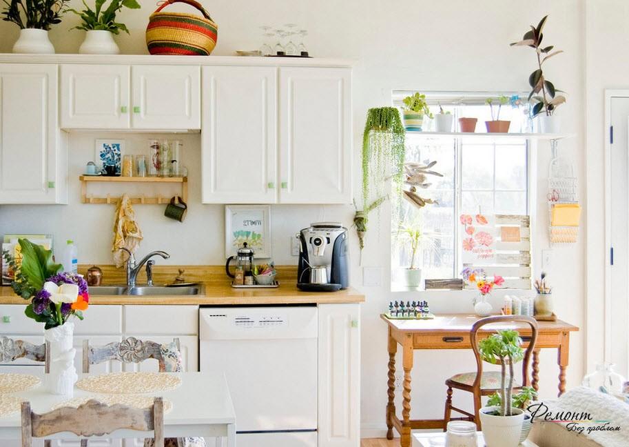 Яркие аксессуары в дизайне кухни