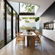 Стеклянные стены - 30 фото в интерьере: современные тенденции дизайна