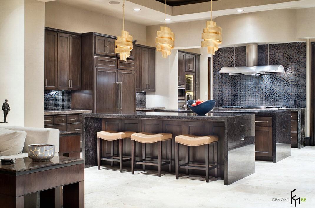 Помещение кухни в особняке