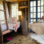 Спальное место в домике на дереве