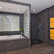 Серые цвета поверхностей в ванной