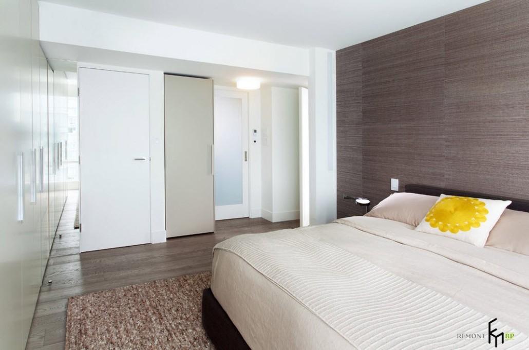 Скромный дизайн спальни