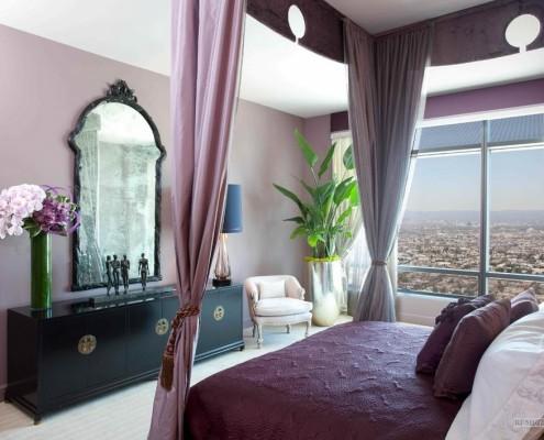 Спальня в пурпурных тонах